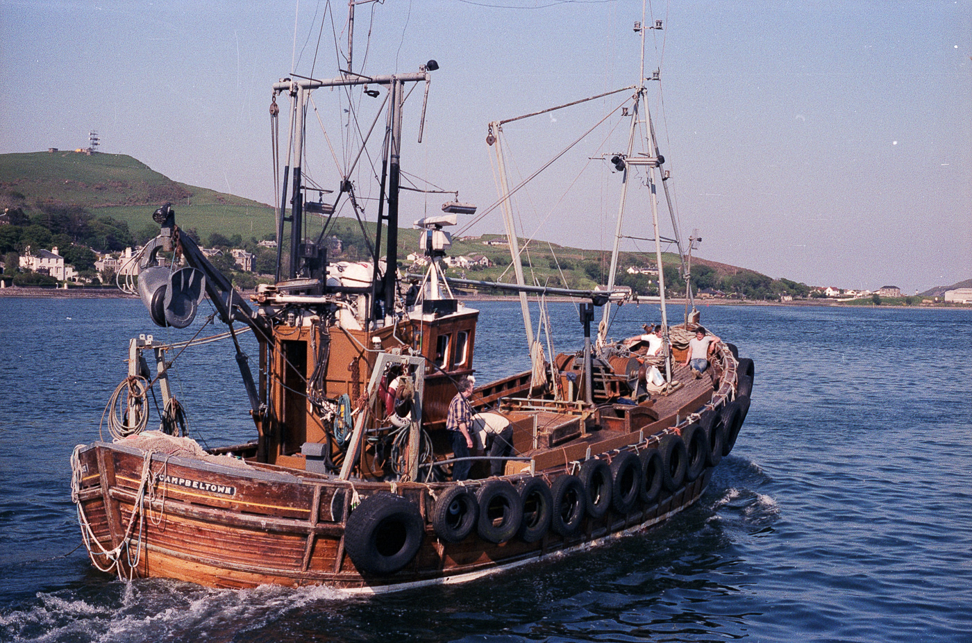 Dual purpose ringnetter and trawler 'Alliance', CN187, at sea, Campbeltown, July 1986. She was built in 1974 in Girvan.