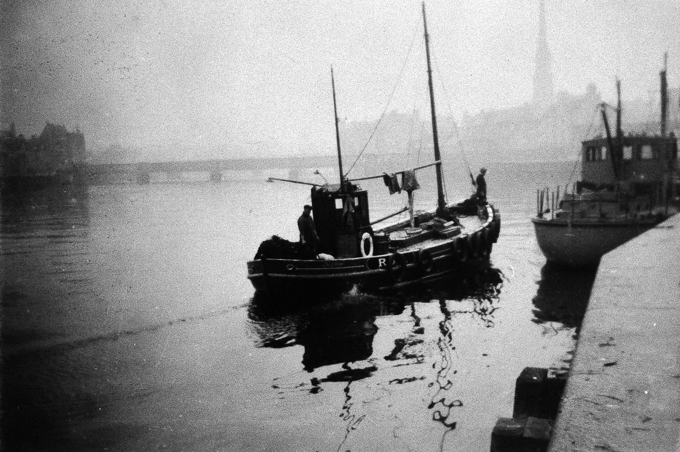 'Dewy Rose', RO5, arriving at Ayr harbour, 1952.