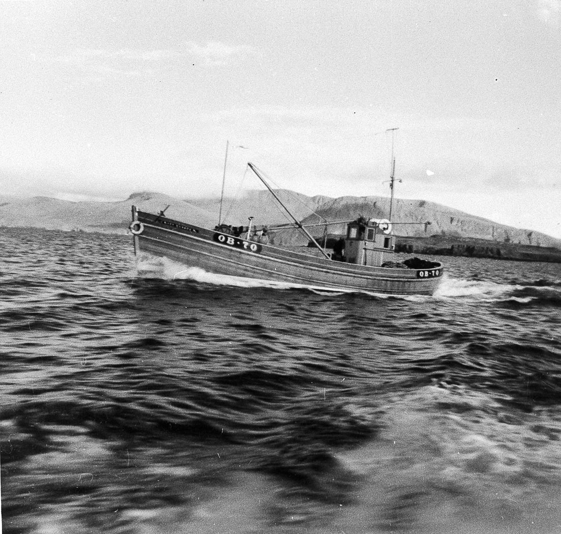 Ringnetter 'Mary Manson', OB70, at sea, c.1964.