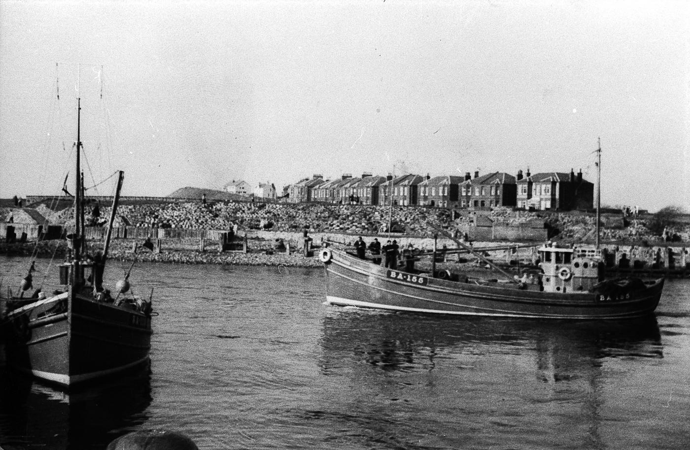Aliped VIII BA155 leaving harbour, Girvan, 1964